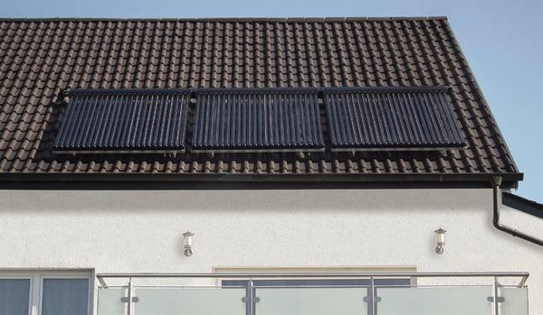 Pannello Solare Termico Orientamento : Pannello solare termico piano o sottovuoto
